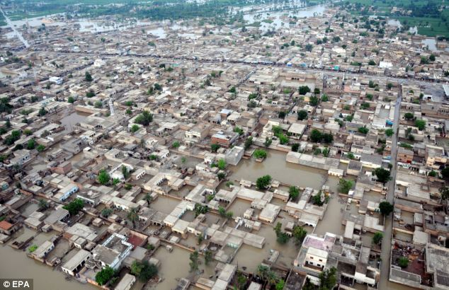pakistan-flood-20100815
